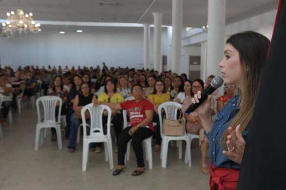 Professores-da-rede-Municipal-de-Monteiro-participam-de-palestra-sobre-Novo-FUNDEB-3-587x390 Professores da rede Municipal de Monteiro participam de palestra sobre Novo FUNDEB
