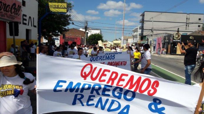 WhatsApp-Image-2019-10-17-at-16.14.20-1-693x390 Vereador Juan Pereira participa de protesto ao lado de cidadãos pela economia em Sumé