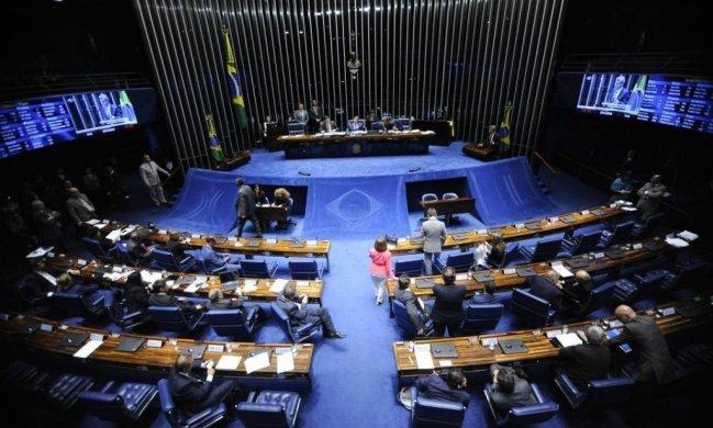 ZE-649x390 Daniella Ribeiro e Zé Maranhão votam pelo fim de pensão à viúvas