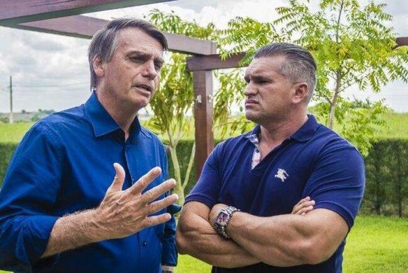 bolsonaro_e_julian_lemos-584x390 Advogado de Bolsonaro denuncia que diretório do PSL na Paraíba pode ter sido comprado