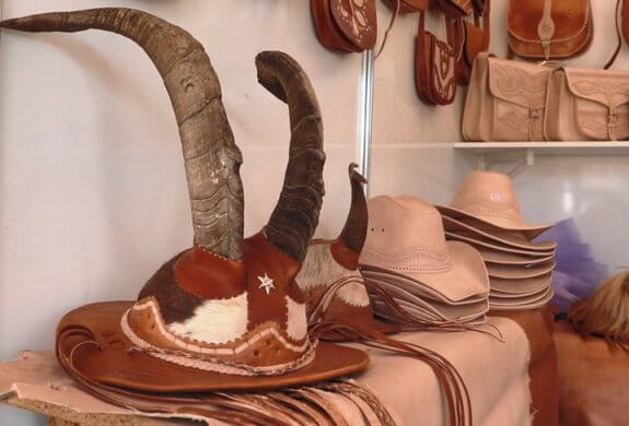 cabaçeiras-575x390 Cabaceiras terá Feirão do Artesanato durante festival do couro de bode