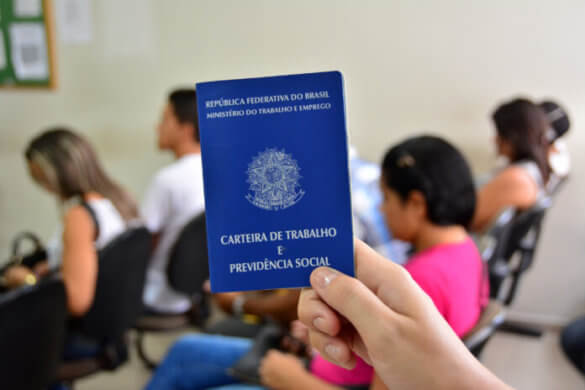 emprego-696x464-585x390 Veja as 411 vagas de emprego do Sine Paraíba nesta quinta-feira (29)