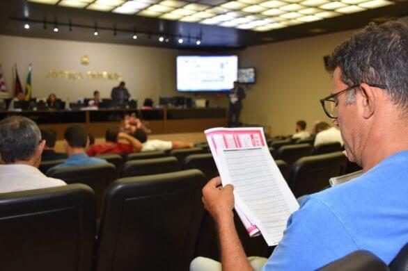 leilão-586x390 Justiça realiza leilão de imóveis e objetos na PB