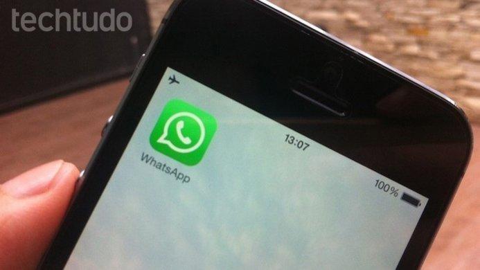 ligacao-whatsapp-siri-iphone2-693x390 WhatsApp começa a liberar ajuste de privacidade em grupos; saiba usar