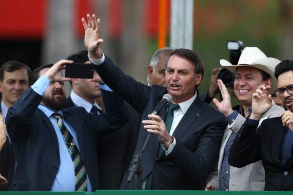 BOLSONARO-601x400 Bolsonaro envia ao Congresso projeto para isentar de punição militares e policiais