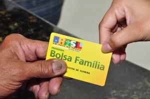 Bolsa-Fam-lia Porta-voz: 13º do Bolsa Família está garantido