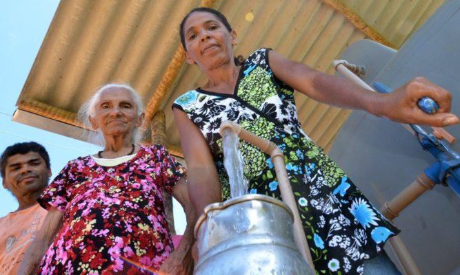 Com-ou-sem-Transposição-quase-10-mil-pessoas-dependem-da-prefeitura-de-Monteiro-para-beber-água-doce-2-1-667x400 Com ou sem Transposição, quase 10 mil pessoas dependem da prefeitura de Monteiro para beber água doce