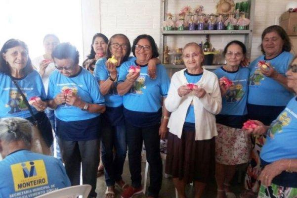 IDOSOS-601x400 Idosos elogiam equipe do Serviço de Convivência de Monteiro em enquete de rádio