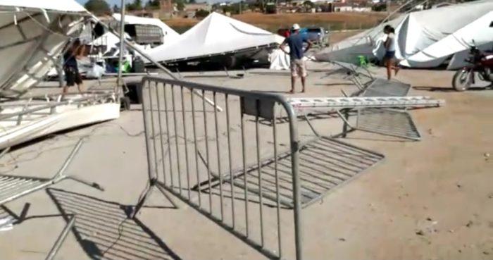 Screenshot_20191128-160720_WhatsApp-700x369 Rajadas de vento destrói parte da estrutura da Expo Monteiro, 2019