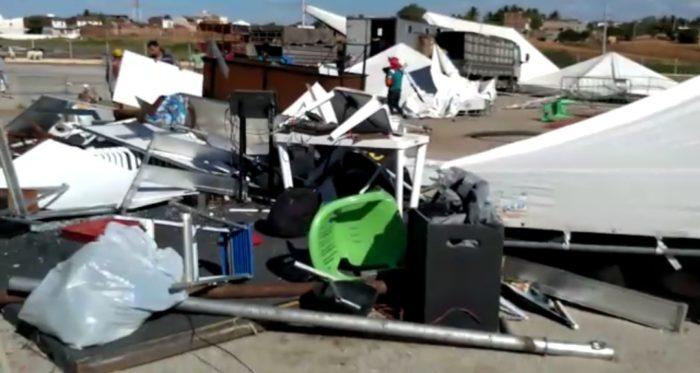 Screenshot_20191128-162137_Gallery-700x373 Rajadas de vento destrói parte da estrutura da Expo Monteiro, 2019