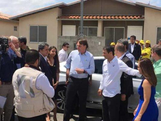 bolsonaro1-533x400 Bolsonaro é recebido pelo prefeito de CG para inaugurar Conjunto Aluízio Campos
