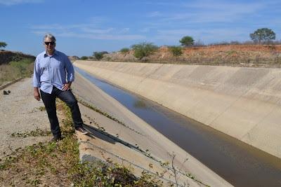 cajo-menezes Águas da transposição devem chegar ao solo monteirense hoje
