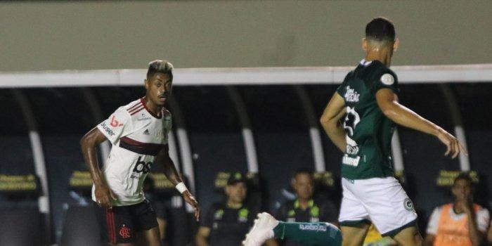 fla-goias-700x350 No Serra Dourada, Goiás arranca empate com o líder Flamengo