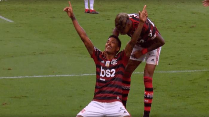 flamengo-ceara-700x394 Flamengo goleia Ceará e quebra recorde na festa do título