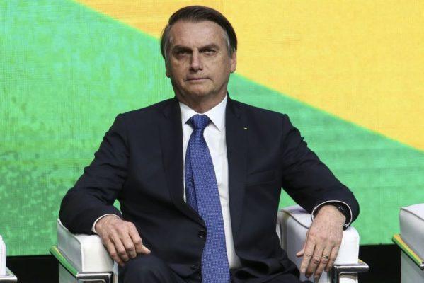 jair-bolsonaro-599x400 Bolsonaro assina desfiliação do PSL