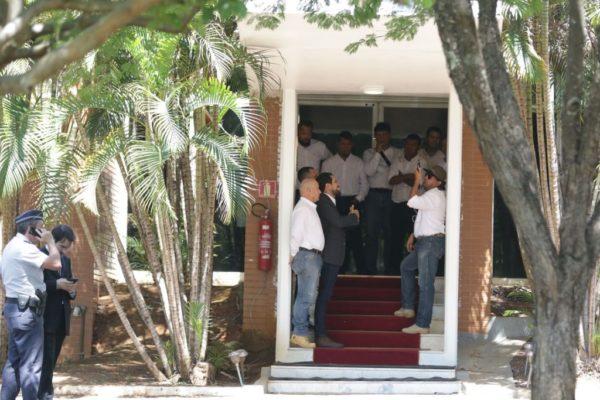 jfcrz_131119abr_2696-600x400 Apoiadores de Guaidó deixam embaixada venezuelana em Brasília