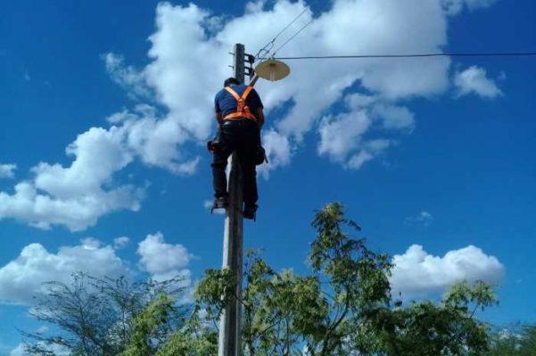 """luz-601x400 Programa """"Mais Luz no Campo"""" chega a mais 3 comunidades na zona rural de Monteiro"""
