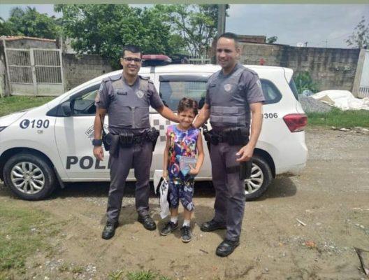 policiais-militares-carta-ao-papai-noel-528x400 Criança pede comida em carta para o Papai Noel e comove PMs em SP