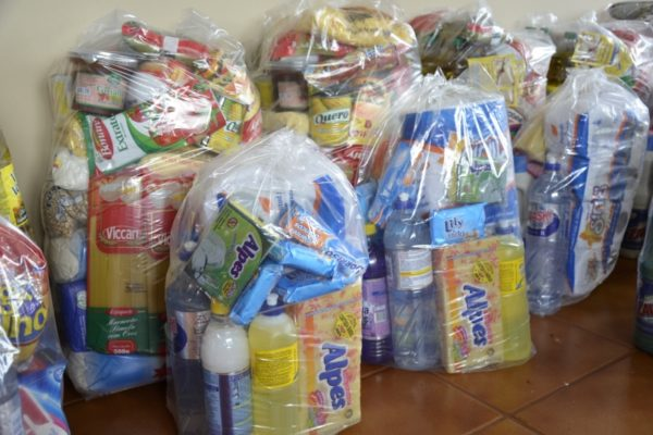 CESTAS-BASICAS-600x400 Bandidos roubam aparelho de TV e cestas básicas de PSF em Monteiro