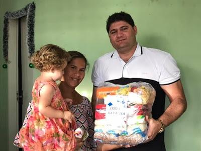 dalyson Prefeito Dalyson Neves entrega mais de 600 cestas básicas em Zabelê