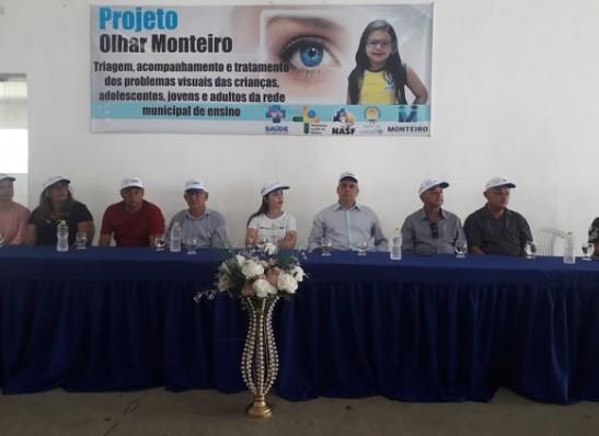 timthumb-2 Vereadores de Monteiro prestigiam entrega de óculos a estudantes da rede municipal