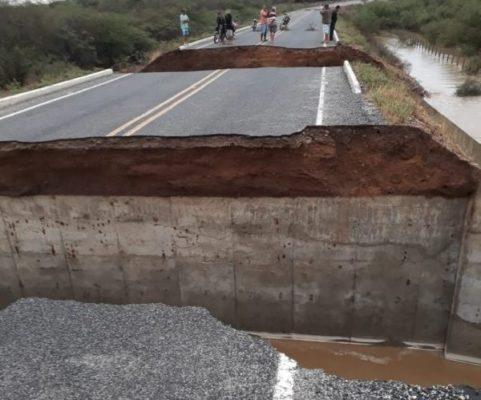 003-2-481x400 Forte chuva destrói rodovia no Cariri em seis pontos e deixa via intransitável