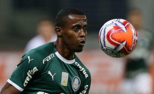 5c49f6b48b548-655x400 Palmeiras negocia saída de Carlos Eduardo após promover trio da base