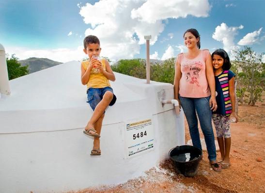 ANA-LORENA Anna Lorena fecha 2019 com mais de 12 milhões de litros d'água entregues às comunidades