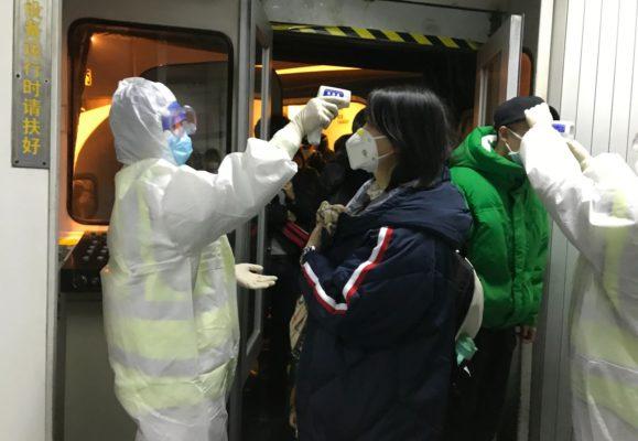 CORONA-VIRUS-579x400 Sobe para 25 o número de mortos por coronavírus com mais de 800 casos na China