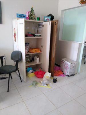 IMG-20200103-WA0089-300x400 Mais uma unidade de saúde é alvo de bandidos em Monteiro