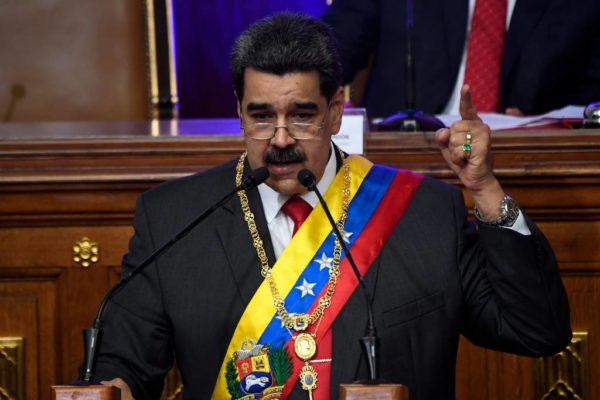 Maduro-600x400 Maduro diz estar pronto para 'arrebentar os dentes' de Brasil e Colômbia