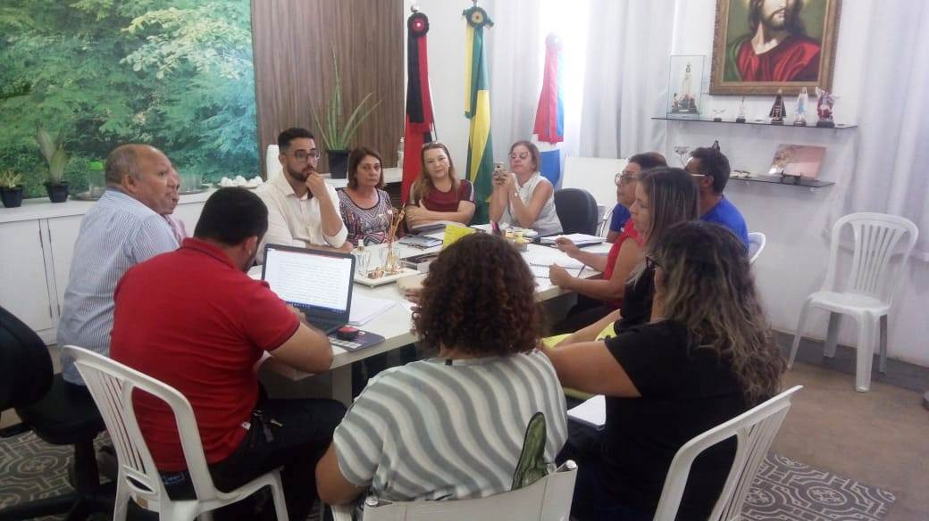 Secretários-se-reúnem-com-Conselho-Municipal-da-Pessoa-com-Deficiência-em-Monteiro2-700x393 Secretários se reúnem com Conselho Municipal da Pessoa com Deficiência em Monteiro