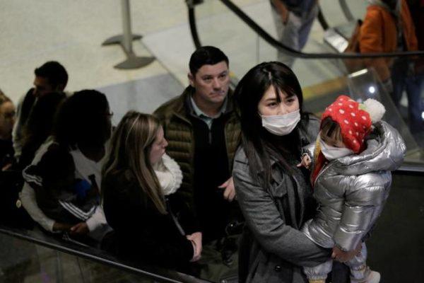 VIRUS-COROA-EUA-600x400 EUA anunciam 110 casos suspeitos de infecção por novo vírus em 26 estados