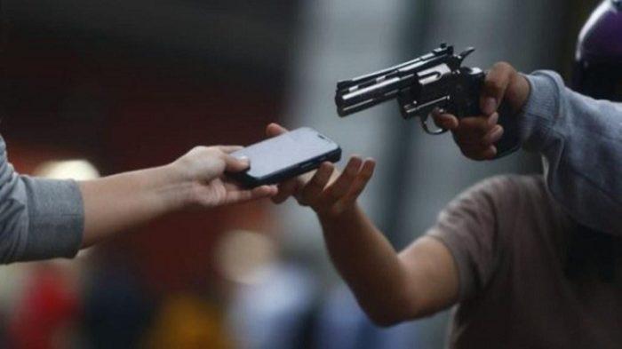 assalto-celular-700x393 Em Sertânia casa lotérica é assaltada, bandidos armados levaram apenas celulares dos funcionários