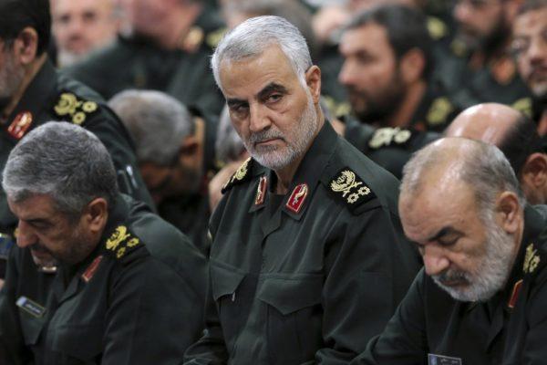 qassem-soleimani-3--600x400 Ataque dos EUA em aeroporto de Bagdá mata general iraniano