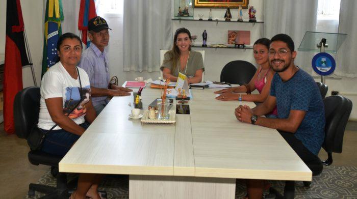 Atendimento-Gabinete-2-700x391 Respeito pelo povo: Prefeita Ana Lorena atende a população e dialoga com os monteirenses