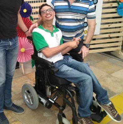 Jefferson-Gênero--395x400 Monteirense Jefferson Gênero precisa de sua ajuda para realizar o sonho de comprar uma cadeira de rodas Motorizada.