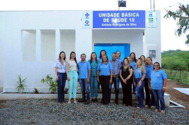 comunidade-de-olho-dagua-do-silva-comemora-entrega-do-psf-10-em-monteiro-10-602x400 Comunidade de Olho D'Água do Silva comemora entrega do PSF 10 em Monteiro
