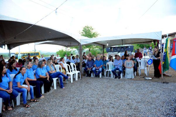 comunidade-de-olho-dagua-do-silva-comemora-entrega-do-psf-10-em-monteiro-14-602x400 Comunidade de Olho D'Água do Silva comemora entrega do PSF 10 em Monteiro