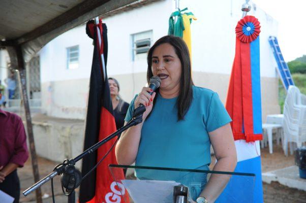 comunidade-de-olho-dagua-do-silva-comemora-entrega-do-psf-10-em-monteiro-16-602x400 Comunidade de Olho D'Água do Silva comemora entrega do PSF 10 em Monteiro