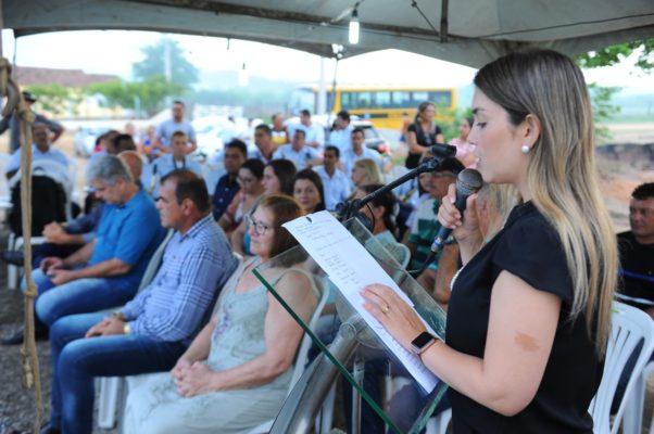 comunidade-de-olho-dagua-do-silva-comemora-entrega-do-psf-10-em-monteiro-17-602x400 Comunidade de Olho D'Água do Silva comemora entrega do PSF 10 em Monteiro