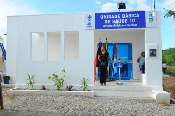 comunidade-de-olho-dagua-do-silva-comemora-entrega-do-psf-10-em-monteiro-4-602x400 Comunidade de Olho D'Água do Silva comemora entrega do PSF 10 em Monteiro
