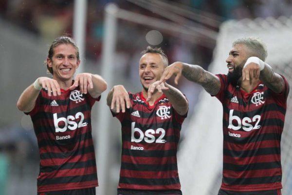 fla-600x400 Flamengo vence o Flu em jogo agitado e avança no Carioca