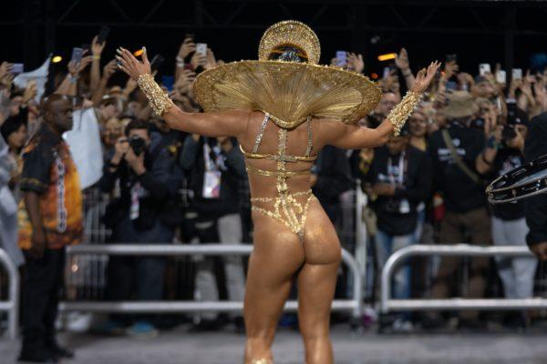 gavioes-da-fiel-marcelo-brandt-g1-g1-04136-600x400 Rainhas e musas ousam no Carnaval do Rio e SP; veja FOTOS