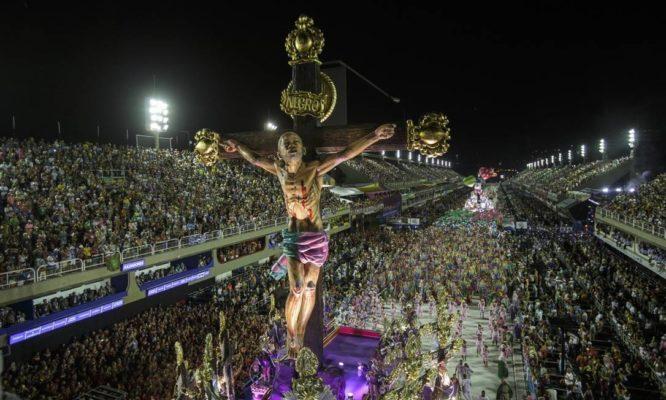 jesus-mangueirA-666x400 Carnaval 2020: Mangueira traz Jesus diverso como mulher e negro