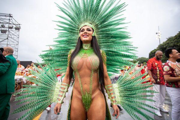 juju-600x400 Rainhas e musas ousam no Carnaval do Rio e SP; veja FOTOS