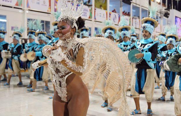 maria-620x400 Rainhas e musas ousam no Carnaval do Rio e SP; veja FOTOS