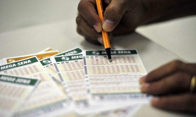 megasenadsc_5262-1-669x400 Mega-Sena acumula e próximo concurso deve pagar R$ 190 milhões