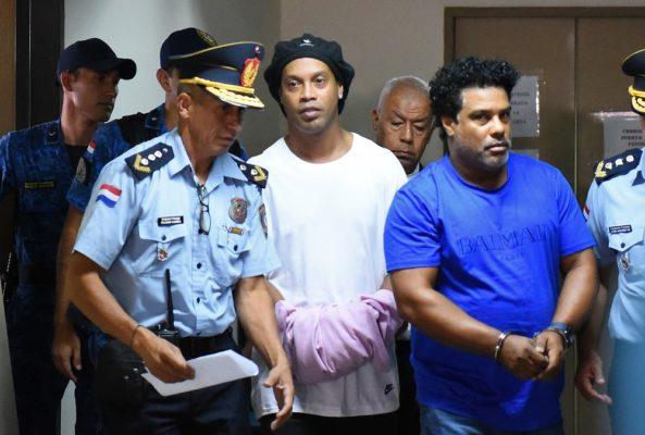 000-1po6fi-593x400 Justiça do Paraguai decide manter Ronaldinho Gaúcho e Assis presos