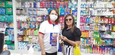 1-1 Empresários da Farmácia Dia e Noite realizam doações de 50g. de álcool gel para população